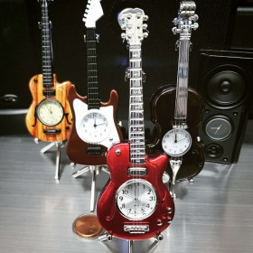 ELECTRIC GUITAR MINIATURE LES PAUL STYLE MUSICIAN COLLECTIBLE DESKTOP MINI CLOCK