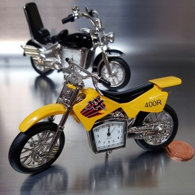 DIRT BIKE MOTORCYCLE MINI DESK CLOCK COLLECTIBLE GIFT