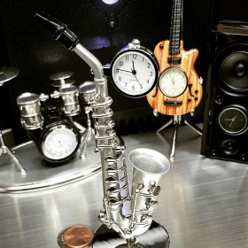 SAXOPHONE MINIATURE JAZZ COLLECTIBLE MUSICIAN BAND INSTRUMENT MINI CLOCK