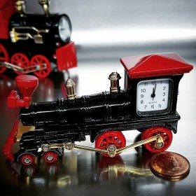 TRAIN MINIATURE STEAM ENGINE LOCOMOTIVE COLLECTIBLE  RAILROADIANA MINI CLOCK