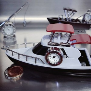 BOAT MINIATURE YACHT COLLECTIBLE MARINE COLLECTIBLE MINI CLOCK