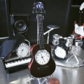 ACOUSTIC GUITAR MINIATURE MUSIC INSTRUMENT COLLECTIBLE MINI CLOCK