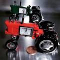 FARM TRACTOR MINIATURE VINTAGE STYLE COLLECTIBLE AMERICAN MINI CLOCK