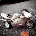 SUPERBIKE MOTORCYCLE MINIATURE STREET BIKE COLLECTIBLE MINI CLOCK GIFT